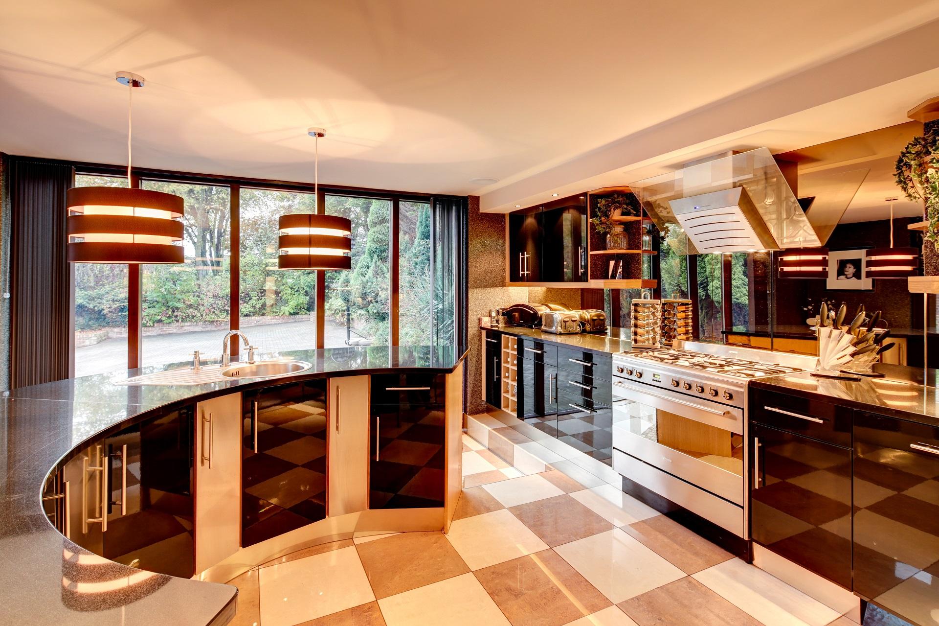 designer kitchen, curved breakfast bar, interior designer in nottingham