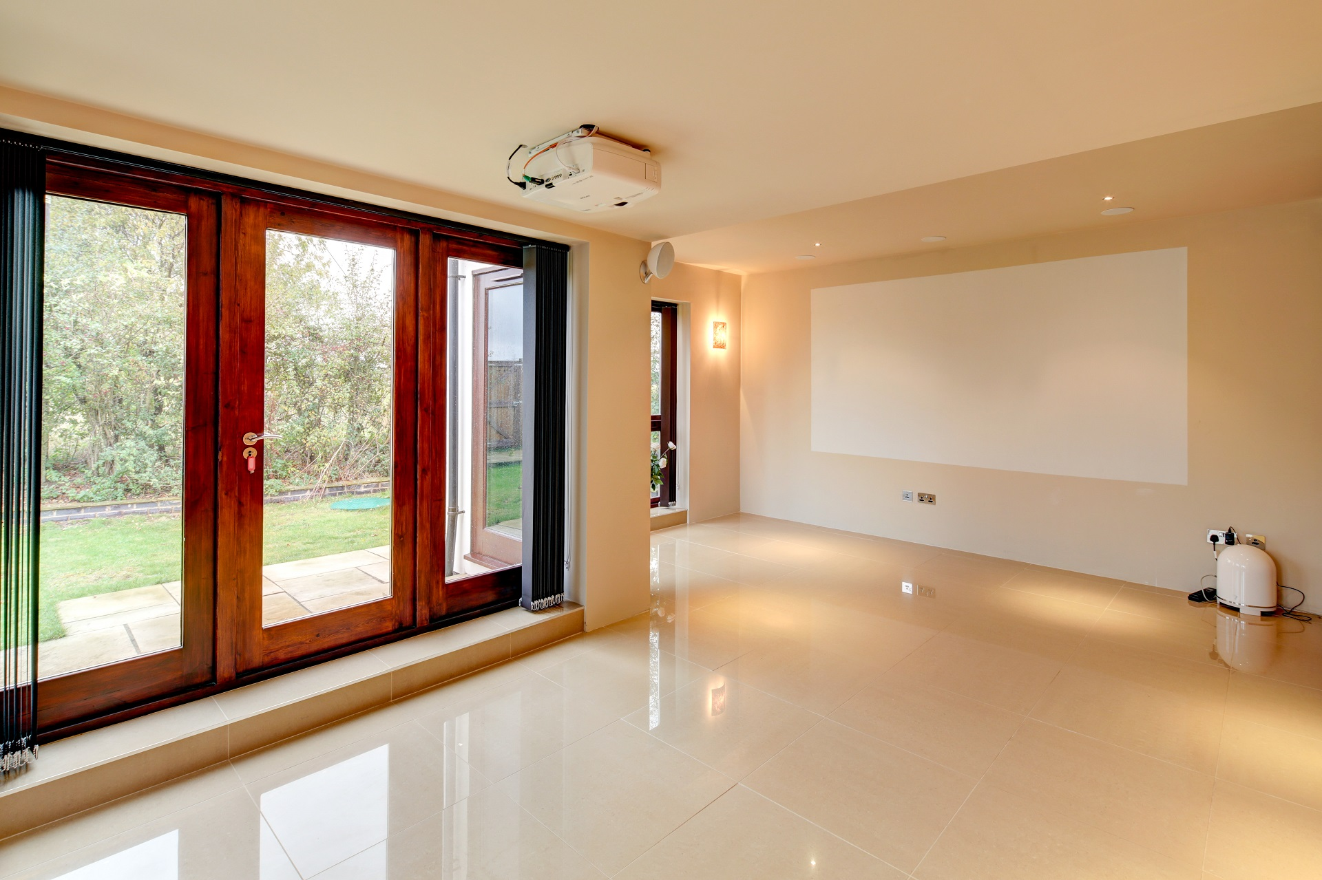 luxury design, wall projector, bi-fold doors, nottingham fern hill