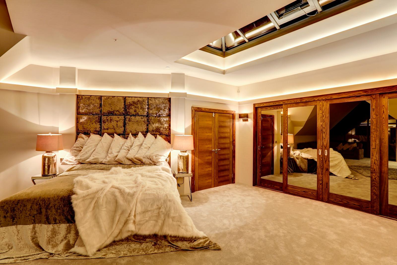 Roof light in bedroom suite, Tanglewood Colston Bassett by Guy Phoenix