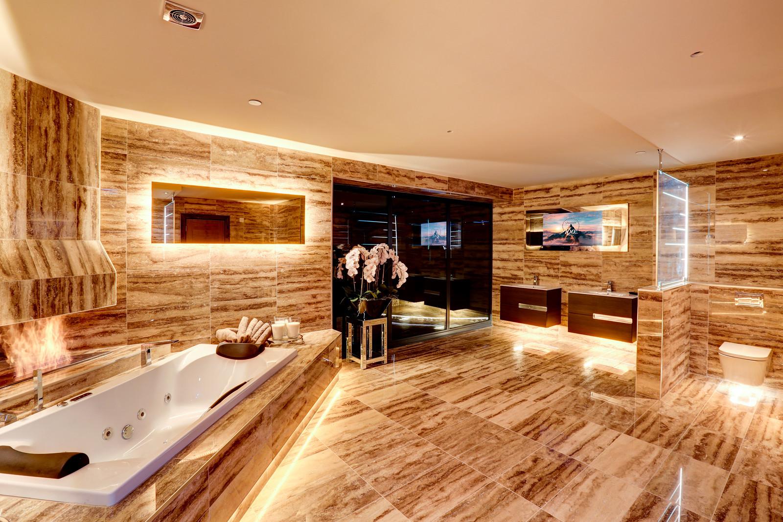 Luxury bathroom, tanglewood colston bassett
