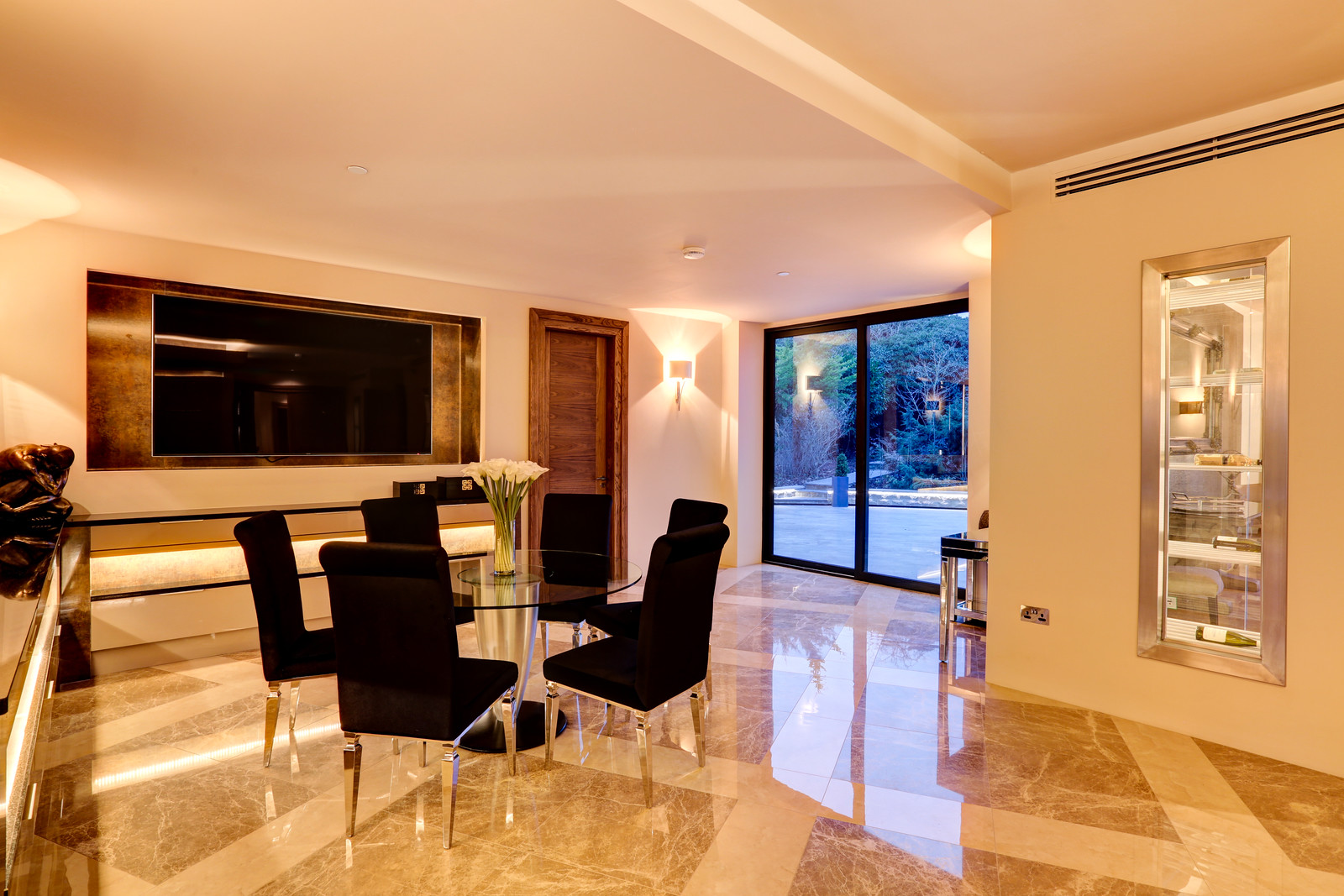 Dining space in Luxury home Tanglewood, Colston Bassett,