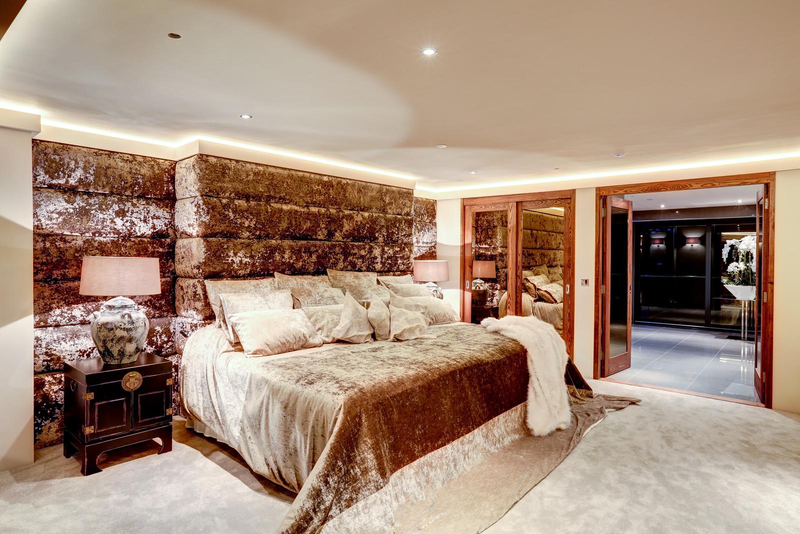 Luxurious bedroom in Tanglewood, Colston Bassett