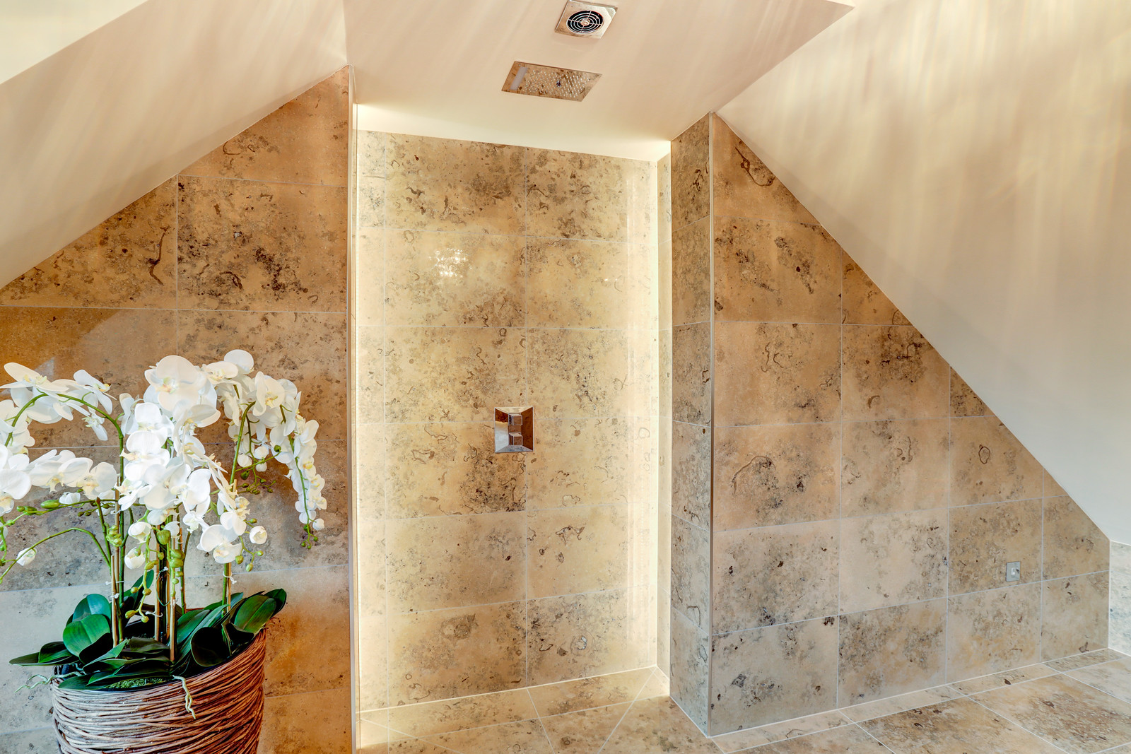 Shower room in Tanglewood, luxury home, Colston Bassett by Guy Phoenix