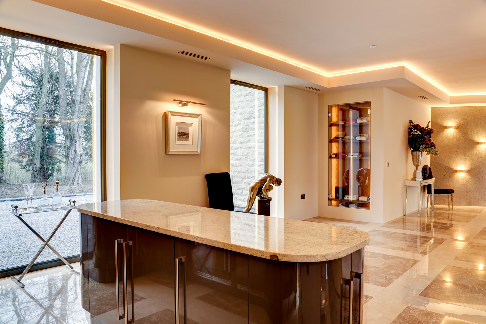 Marble floor and island unit in the Tanglewood dining room kitchen